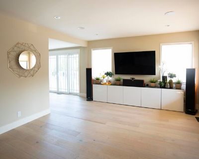 Shared room with shared bathroom - Millbrae , CA 94030