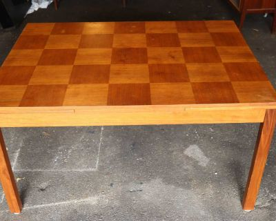 Vintage RS Associates Teak dinning table and Chairs (6)