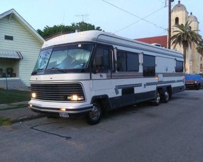 By Owner! 1987 33 ft. Holiday Rambler Imperial