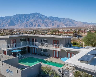 Cozy All Natural Mineral Water Pool and Hot Tub Hotel - Desert Hot Springs