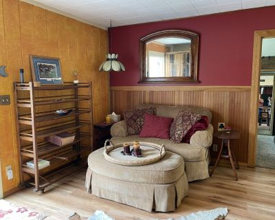 Beautifully decorated Cottage on 30 acre ranch - Springfield