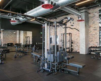 Fully Furnished Apt W/ Gym access!