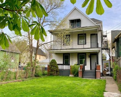 The Steadman Farm House-6BR Free Parking, Minutes From Falls & Casino - Niagara Falls
