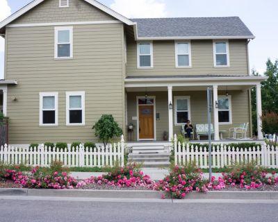 Craftsman Style 4 bedroom 3 bath House - Chico