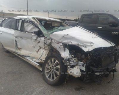 Salvage White 2017 Hyundai Sonata