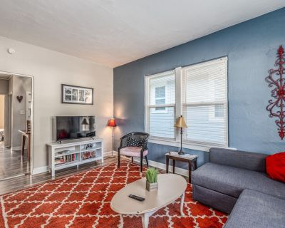 Vintage French Beauty - Newly Renovated & Spacious - St. Charles