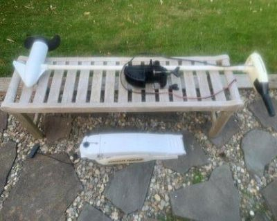 MK Riptide 55 trolling motor and Lewmar anchor bow roller