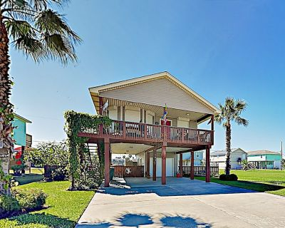 Beach-Chic Cottage in Sea Isle w/ Updated Kitchen, Outdoor Shower & Gas Grill - Sea Isle