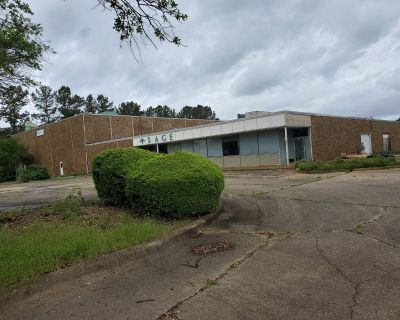 Office/Warehouse for Lease with I-20 frontage For Sale or Lease