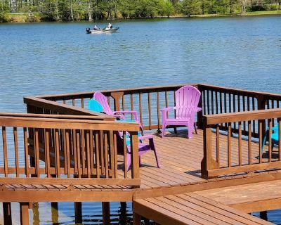 Dancing Diamonds Waterfront Retreat - Lake County