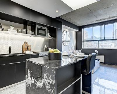 Cozy accommodation with.fully equipped kitchen at Pierce Hotel - Shaughnessy Village