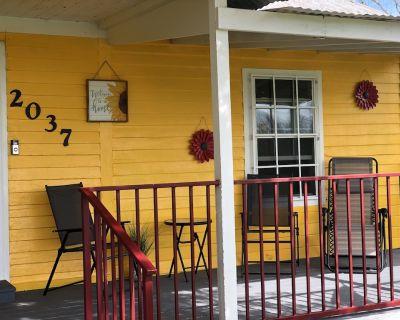 Honr'e Cottage~ Near Breaux Bridge 3 Bedrooms with 3 queen size beds! - St. Martin Parish