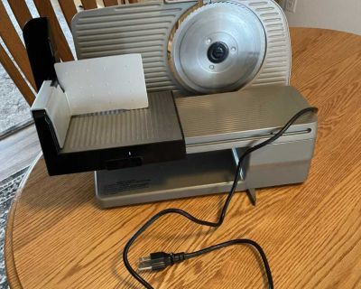 Chef'sChoice 615 Electric Meat Slicer - like new -see all pictures and description powers and Galley