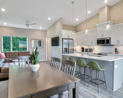 Marvelous South Slope Townhome With Rooftop Terrace - Downtown Asheville