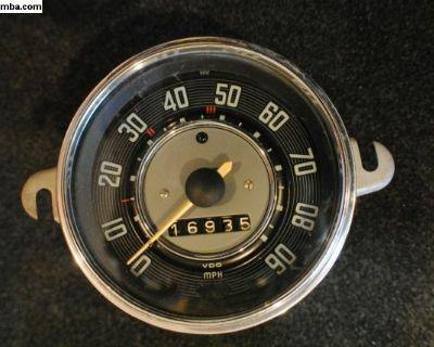 1963 Volkswagen Ghia Speedometer 111957023e