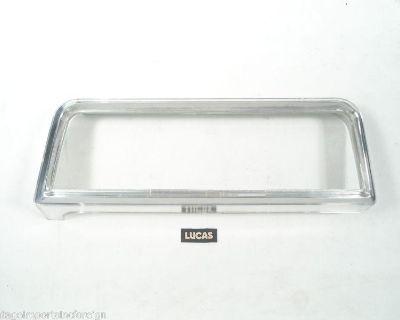 Vauxhall Victor Saloon Envoy Super Deluxe & Vx4/90 Lucas Tail Lamp Rim 54575599