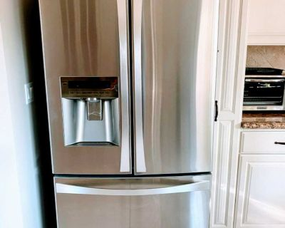 Refrigerator stainless steel great conditions