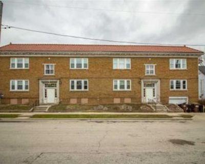 1607 Crosby St, Rockford, IL 61107 Studio Apartment