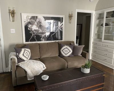Modern 2 Bedroom Duplex - Hollywood