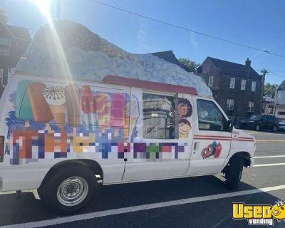 Freshly Detailed 18' Ford E250 Ice Cream Truck Frozen Ice Cream Novelties Truck
