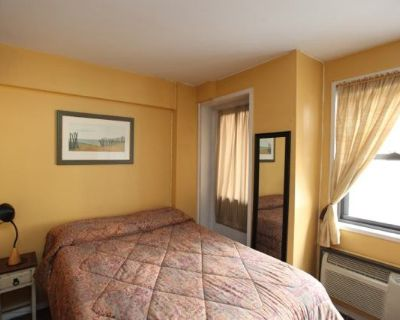 Avail sept.1Furnished/Elevator/Laundry/FREE gym
