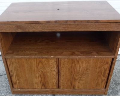 Rolling wood Utility Cart / TV Stand - Swivel top