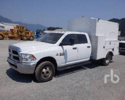 2014 RAM SLT CREW CAB 4X4 Pickup Trucks Truck
