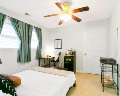 Loftium   Cozy & Inviting Guest Suite in Grant Park! - Grant Park