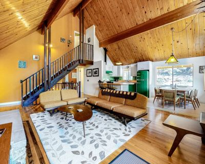 Three-story Home W/free Wifi, Furnished Deck, Gas Grill, Ping-pong, Fireplace - Lake Arrowhead