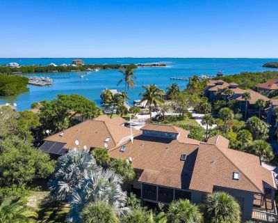 SANDY TUNDRA TOWNHOUSE, WATER-VIEWS, BOAT SLIP, PRIVATE BEACH, CLUB ACCESS - Safety Harbor Club
