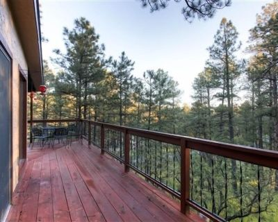 Tree Tops At Alto Alps: Sitting high in the beautiful pines. With hot tub. Pet Friendly. - Alto