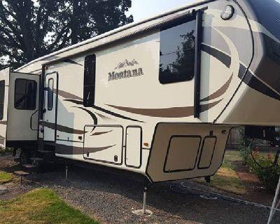 By Owner! 2015 39 ft. Keystone Montana w/4 slides