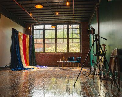 Stylish Photo loft with Satin backdrops, Brooklyn, NY