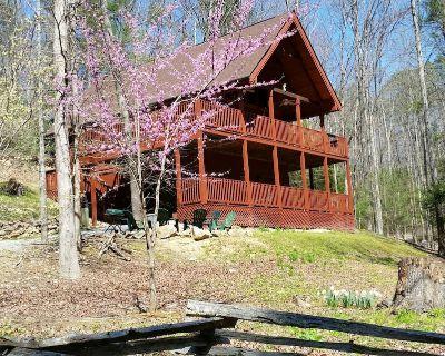 Cross Creek-Log Cabin-Spring Break Coming Soon! - Pigeon Forge