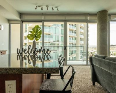 Open and Bright 2 BR Apt near Downtown - Tempe