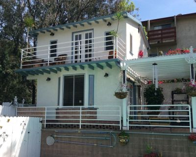 Private back house for rent in beautiful Glendale with all utilities included !! - Glendale
