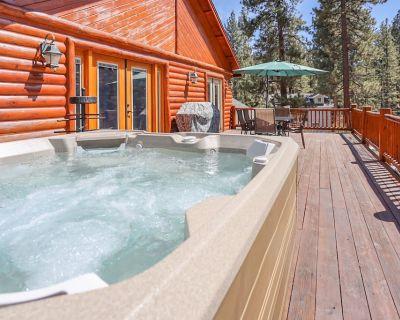 AWESOME! CLOSE to LAKE! Beautiful Log Retreat w/ Private Hot Tub! - Fawnskin