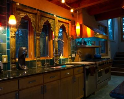 Amazing artistic home, hot tub, divide views! Close to Boulder and Denver! - Gilpin County