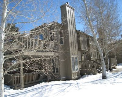 Charming Duplex with Stunning Mountain Views - Park City