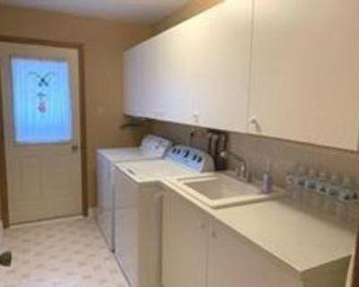 83 Riverglen Drive #$, Georgina, ON L4P 3K7 4 Bedroom Apartment