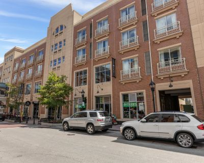 Water Street Retail Space in Downtown Naperville