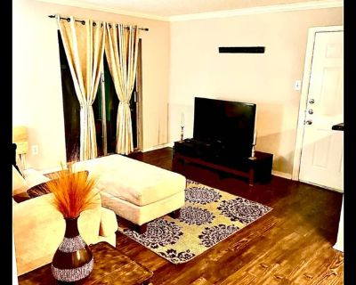 Private Comfy Suite - Westchase