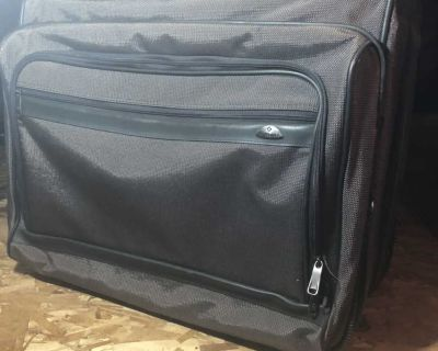 Samsonite Garmet Bag with Rollers