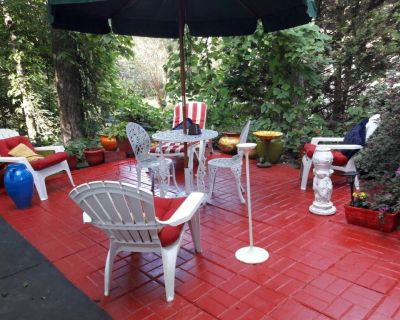 The Red Terrace Apartment. - Lawrenceville