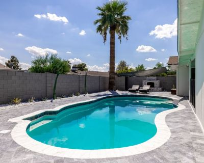 of Tempe! Pool/Putting Green/RV Parking/Games/Pet Friendly/EV Car Charger - South Tempe