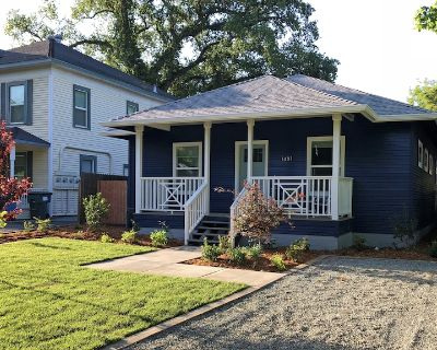 Brand New, Entire Home with Modern Charm in Historic Downtown Oroville - Oroville