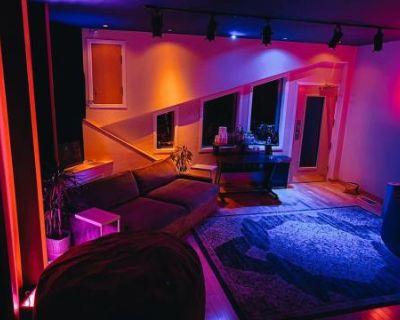 Music Recording Studio in Hills with Scenic View - Studio B, Studio City, CA