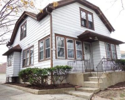 5 Bed 2 Bath Foreclosure Property in Milwaukee, WI 53210 - N 54th Street