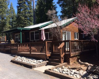 Beautiful 2 bedroom / 2 bath Lakefront cabin with boat dock. NO pets allowed - Peninsula Village