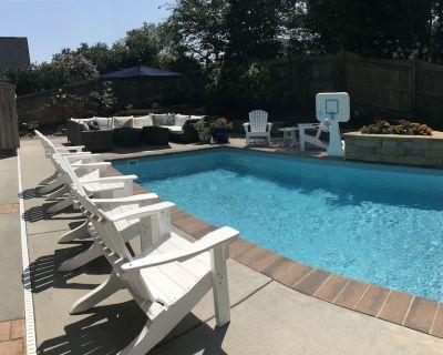 Upscale Custom Home w private pool and hot tub - 1 block to the beach! - Northeast Virginia Beach